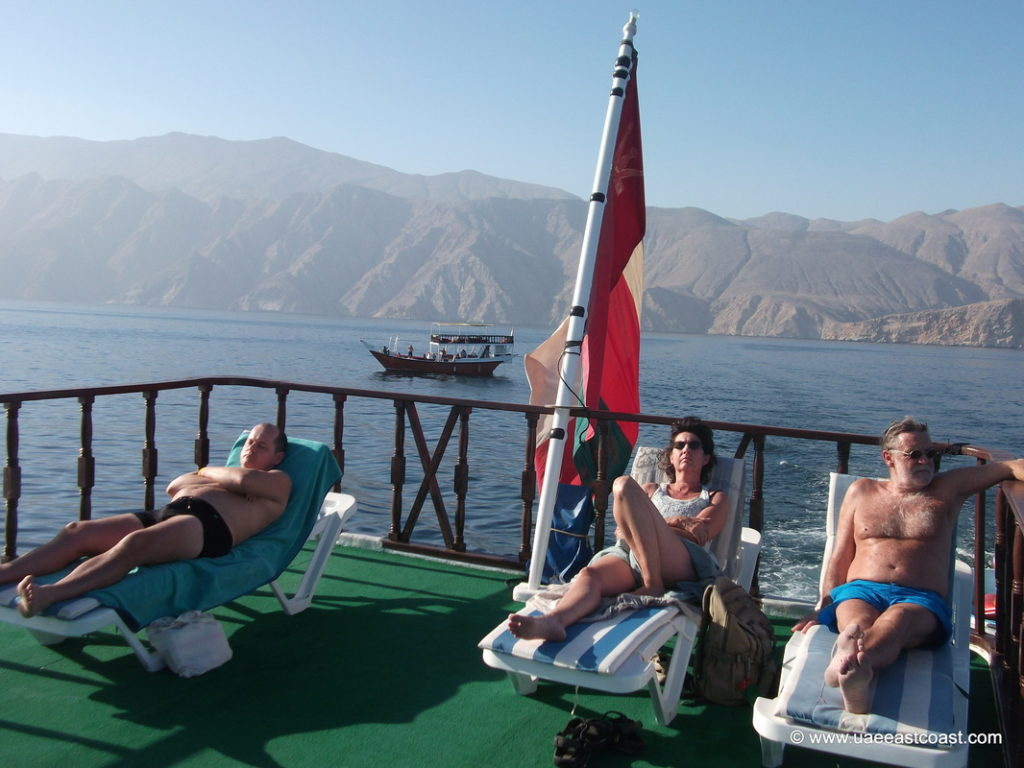 tourists are camping in the dhow