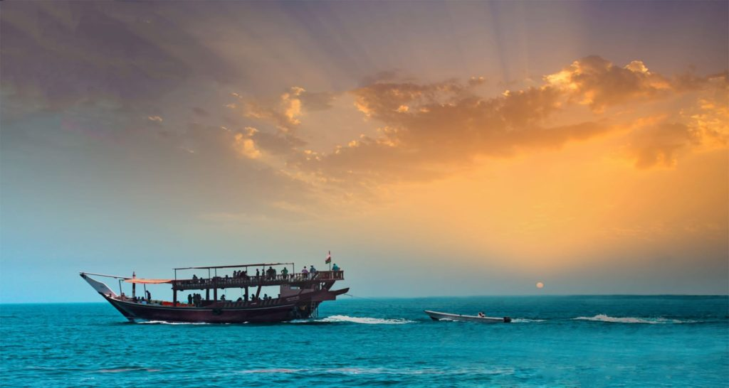 dhow cruise in musandam fjords